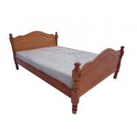 Кровать Лама с резьбой из березы